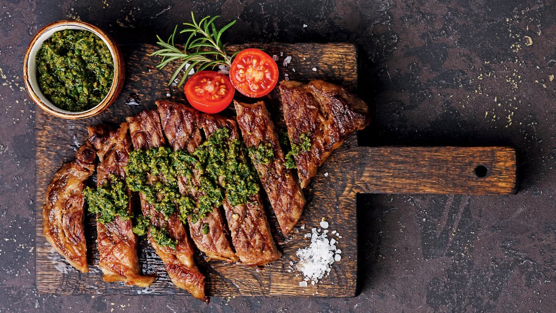0550_grilledrump_steak_and_chimichurri_salsa_1920x1080.jpg